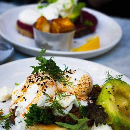4 restaurants parisiens abordables pour un déjeuner succulent