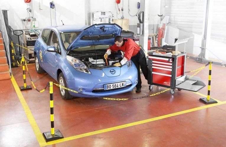 Les voitures électriques sont bon marché à entretenir mais coûteuses à réparer